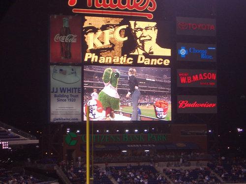 Dance, Phanatic, Dance!